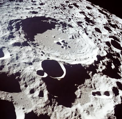 What are craters, and why does the moon have so many and ...